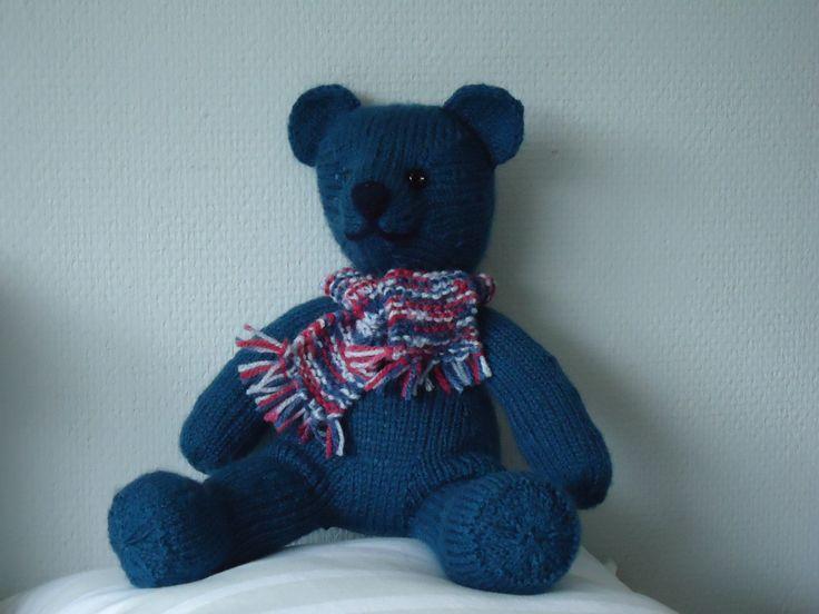 """Vera de beer, gebreid uit één stuk.  Kooppatroon van """"Zij maakt het"""""""