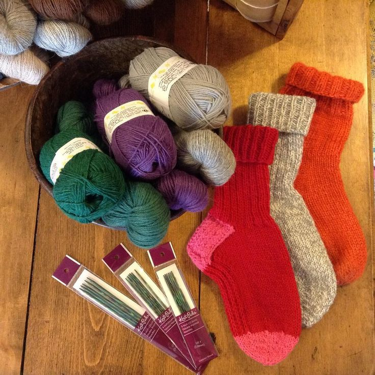 Today's gift idea to make are socks! Warm, hand knit socks are always welcome gifts. The Socks yarn from Knitca is great for creating your own stripes and designs. If you double it up you can not only create a lovely heather color, but they also knit up extra fast! And if you really want a special gift, knit a  ball of the Socks with Illimani's Baby Llama. For the sock knitter on your list a great gift to buy are Knit picks Caspian needles. They have a lovely smooth finish and are gorgeous…