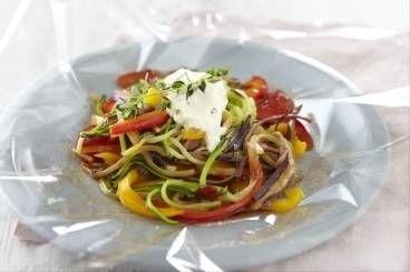 Découvrez cette recette de Papillote transparente de légumes au fromage frais à…