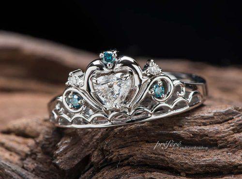 イルカモチーフのティアラ型婚約指輪