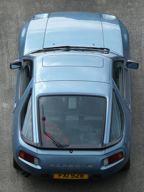 Porsche 928 S2 - More here http://superv8car.blogspot.com/