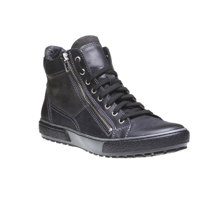 Uno scarponcino sportivo ultima moda realizzato in pelle, che starà bene con i jeans e un abbigliamento sportivo. Un modello dallo stile casual con una comoda suola e la chiusura zip laterale.