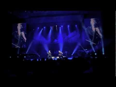 ▶ 2CELLOS - Viva La Vida [LIVE VIDEO] - YouTube