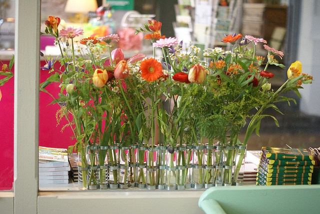 tsé tsé vase d'avril by wood & wool stool, via Flickr
