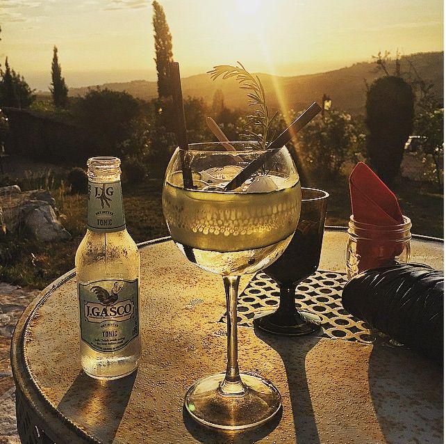 #gin #tonic #gintonic #ilsal8 #aperitivi #tramonto #sunset #jgasco #poggioaisanti #tuscany #sanvincenzo