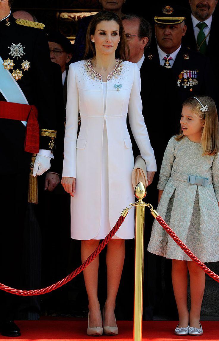 Coronacion reyes Espana Felipe y Letizia // Cómo amo este vestido, en serio, estoy enamoradísima de él