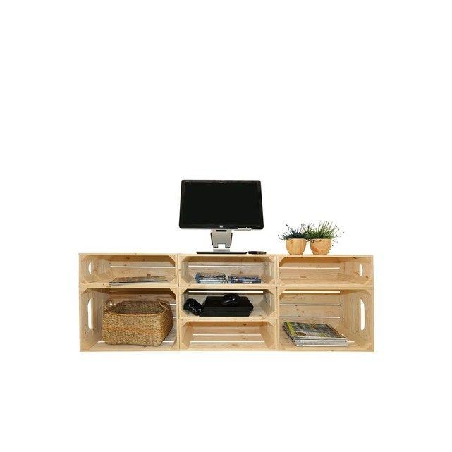 Composé de 2 caisses STANDARD et de 5 caisses 1/2 HAUT, ce meuble TV vous permet d'organiser un espace multimédia pratique et authentique. TV, console, jeux, hifi, DVD, CD sont à portée de main et vous invitent au divertissement. Flexible et évolutif, vous modulez vos compositions en fonction de votre espace et selon vos besoins.  Disponible en Naturel Brut, les planches qui composent chaque caisse sont finement brossées pour faire ressortir le veinage du bois. Vous pouvez util...