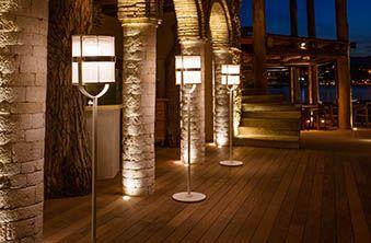La Lampe Paris | Éclairage solaire pour extérieur | Maiori Solar Lighting Redefined