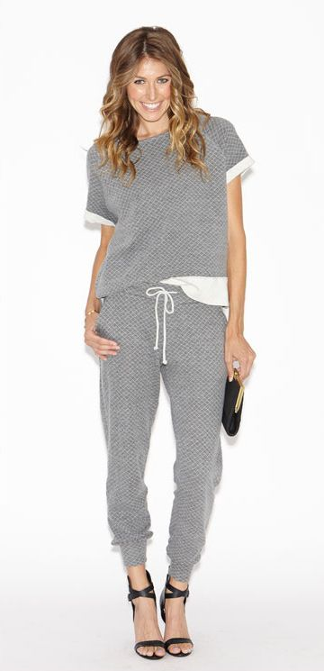 Chic & cozy quilted sweats for fall by BEYOND YOGA | sweatpants | loungewear | heather gray | #iamBEYOND