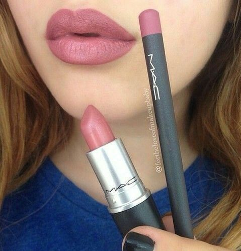 The lip liner is whirl and the lipstick is twig