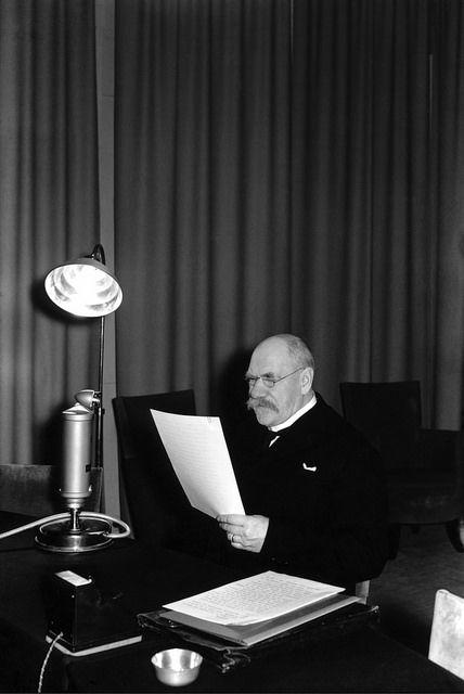 President Pehr Evind Svinhufvud talking on the radio, 1930s. Presidentti Pehr…