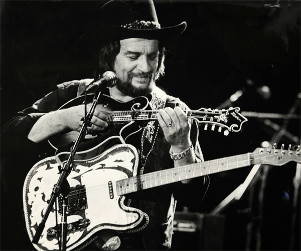 Waylon Jennings (Waylon Arnold Jennings) - American singer-songwriter,  musician from Texas. Debut in Genres: country, outlaw country, country  rock, ...