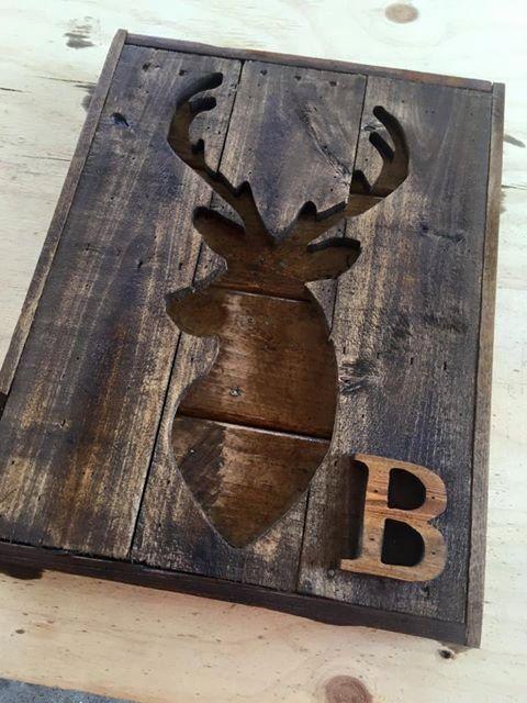 Houten Pallet hert silhouet muur opknoping - Pallet hout herten cut out-rustieke land hergebruikt hout teken - jacht trofee teken-Gift voor hem