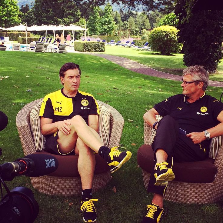 Michael Zorc im Interview mit Nobby // Sporting director Michael Zorc having a chat for BVB total! #bvb #dortmund #borussiadortmund #interview #zorc #dickel #badragaz15