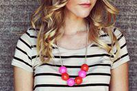 Tutorial per realizzare una bellissima collana di palline colorate, idea regalo per ragazze.  #regali #regalo #tutorial #collana #palline #diy #faidate