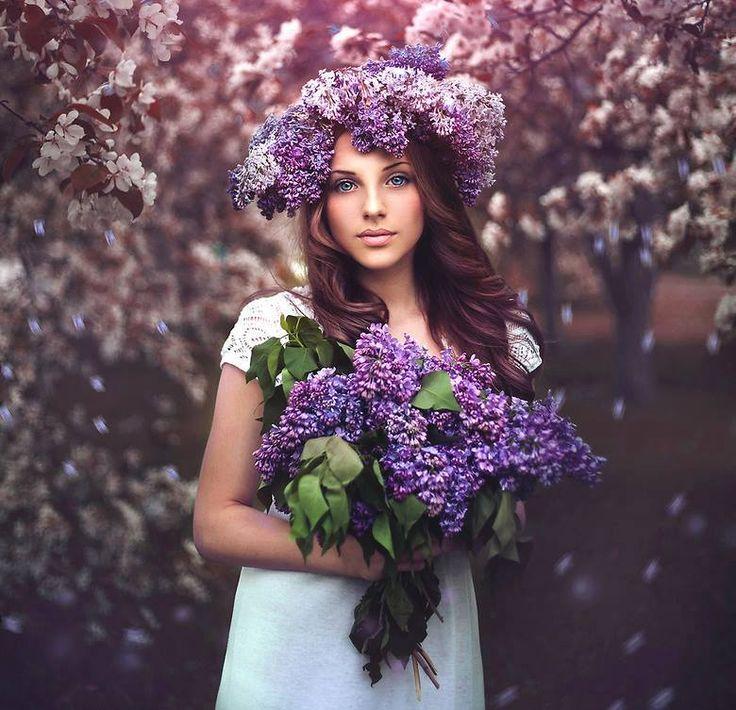 Девушки в цветах в картинках