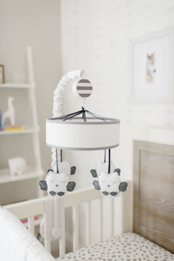 Celebrity Design Reveal: Catherine and Sean Lowe's Nursery - Completely  adorable baby owl mobile for