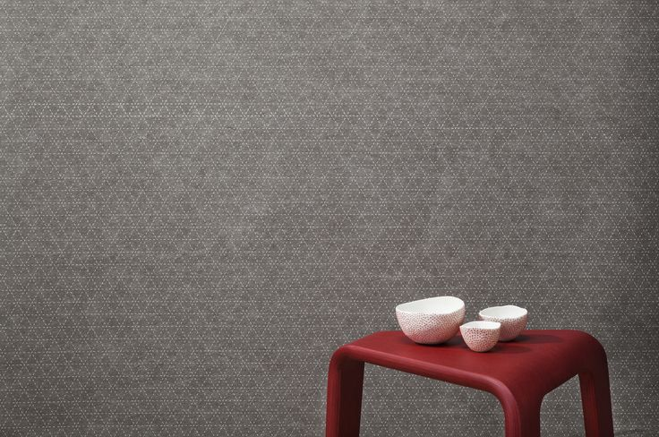 EchoPanel Mura acoustic wallpaper in Dart print, made from PET fibres 60% of which are recycled. Sounds good. Looks Good. Dart 454 White on Pebble