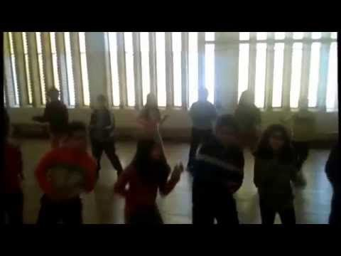 "Coreografía Libre Educación física ""Happy"" - YouTube"