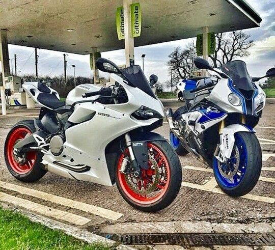 Ducati 899 Panigale and Bmw s1000rr hp4