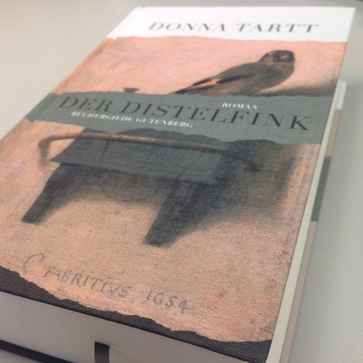 Der Distelfink: Bedrucktes Leinen, damit man das Gemälde beim Lesen immer im Blick hat. (Donna Tartt, Der Distelfink, Büchergilde 2014)