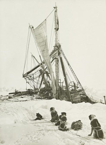 Frank Hurley The Endurance crushed between the floes. A week after the ship had been forced out of the ice came the final blow, the pressure crushed the ship into a mass of broken timber fragments, and the Endurance sank on October 25, 1915.
