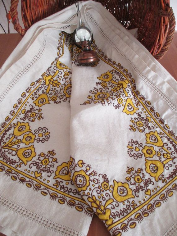 28. Vintage linen hand embroidered pure flax tablecloth from