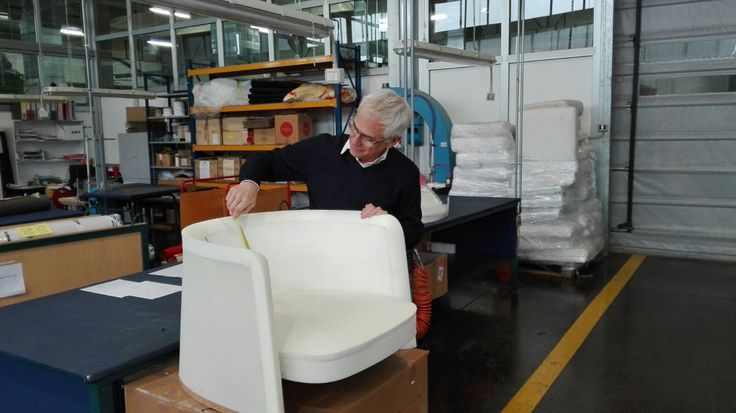 How is an #armchair made? This is Biagio Cisotti working on #Agorà.