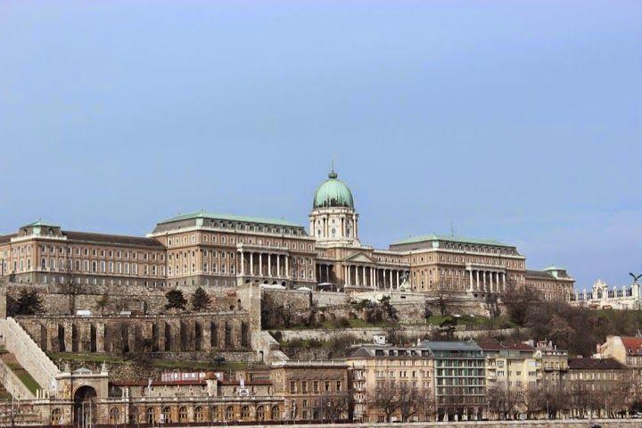 Praga, Viena e Budapeste   O Grande espetáculo da Europa    Mergulhe nas belezas arquitetônicas (e em águas termais também), na histór...