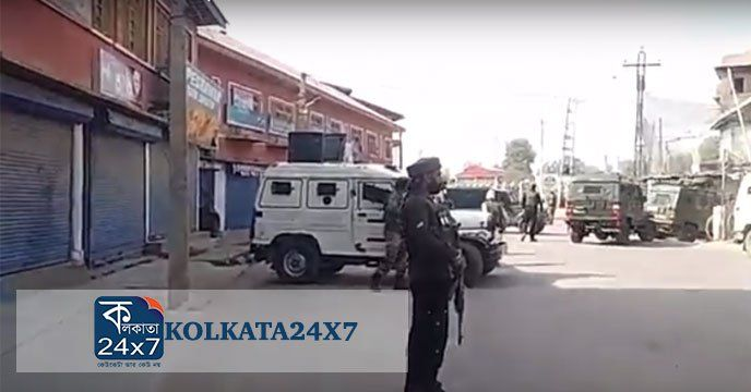 Srinagar: Grenade attack near State Bank of India Sopore in north Kashmir's Baramulla district on Sunday morning. According to reports militants lobbed grenade towards Goverment forces near SBI in Sopore which missed it's target and exploded on road, resulting three injured including two Special...