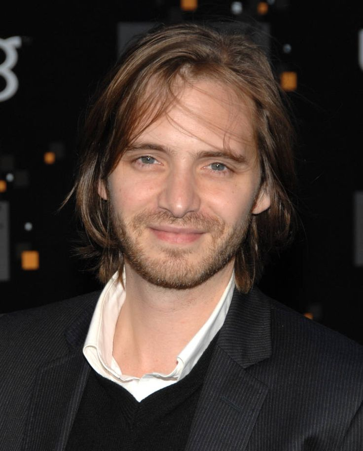 Aaron Stanford. Totally didn't realize Cole from 12 Monkeys was Pyro from X-Men!