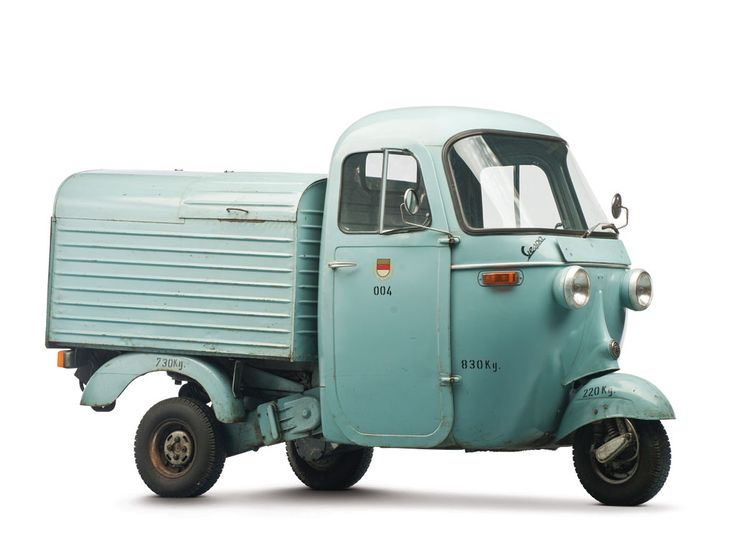1963 Vespa Ape ( This vehicle is unusual in Vänersborg)