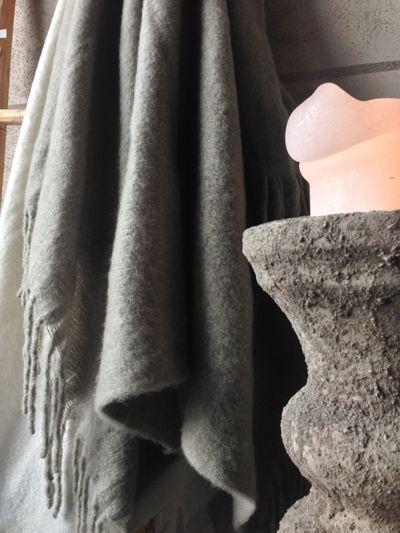Herfst accessoires in onze showroom. www.molitli-interieurmakers.nl
