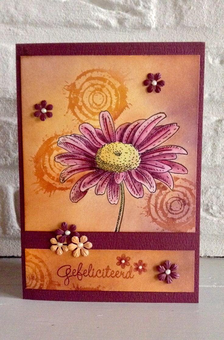"""CB. Naar een vb v ElkeVerschooten. Stempel bloem PB """"Graceful"""" 4313J-Deco Crealies nr 26-Bloempunches v Nellie Snellen- Achtergrond met Pan Pastels en bloem ingekleurd met Coloursoft Derwent kleurpotloden."""