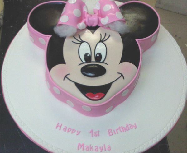 minnie mouse face cake