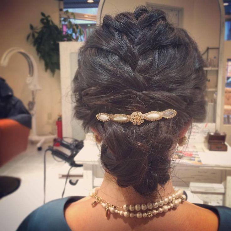 today's hair style☆  黒髪アレンジ☆ キレイめなタイトシルエットのヘアセットです。 遠くからご来店いただきありがとうございました!  #ヘアセット #セット #ヘアアレンジ #アレンジ #アップスタイル #シニヨン  #波ウェーブ #ツイスト #ねじねじ #編み込み #ふわふわ #モフモフ #直毛 #シンプル #結婚式 #ルーズ  #フェミニン #ブライダル #パーティー #二次会 #ありがとう #京都 #京都駅前 #美容室 #t2style #love  #courarir #courarirhair #courarirkyotoekimae #courarirhairkyotoekimae