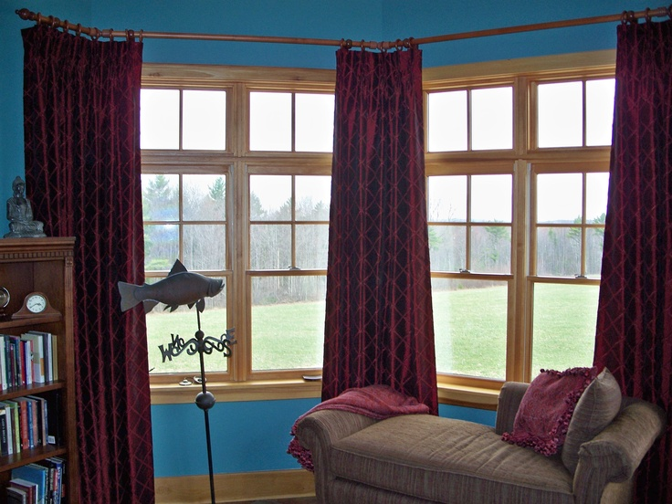 this room did not have a bay window but did have an octagonal shape to the