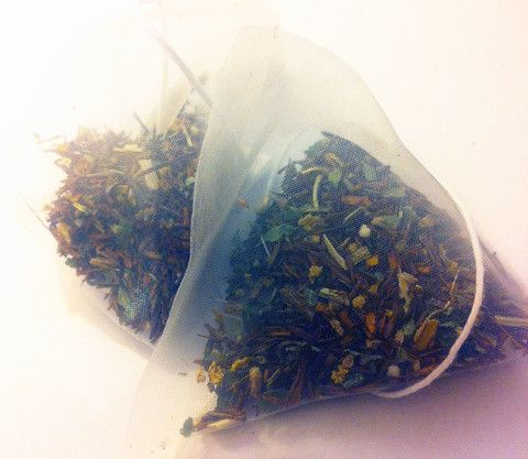 Glowing Mama | rooibos and elderflower herbal tea | loose leaf pyramid tea bag