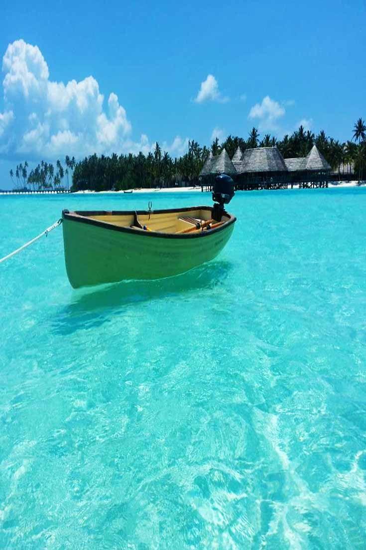 The turquoise waters by Gili Lankanfushi in Fiji.