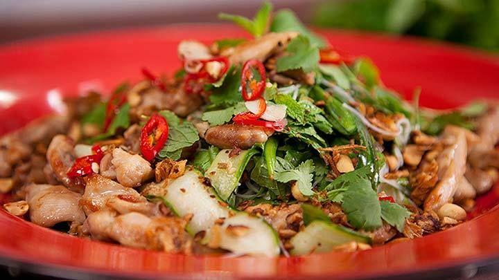 Vietnamese Chicken Salad - Everyday Gourmet with Justine Schofield