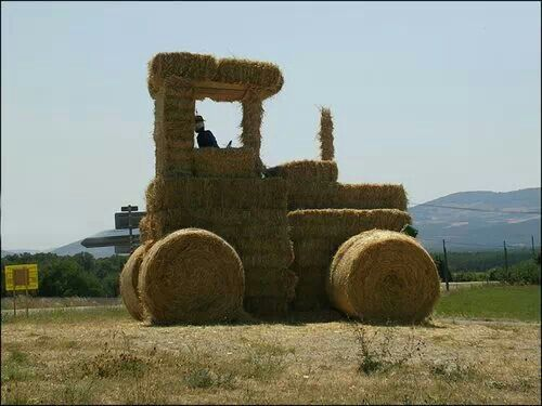 I think this is how dad should stack hay next year!