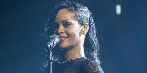 Rihanna Photo share When Change Clothes