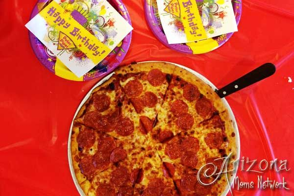 Win a Deluxe Birthday Party Package from Peter Piper Pizza