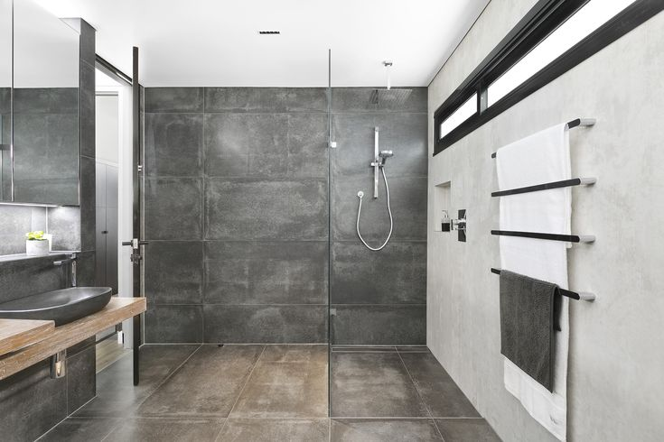 Stunning finishes in this bathroom! Loving the simplicity of the style that really makes you say WOW