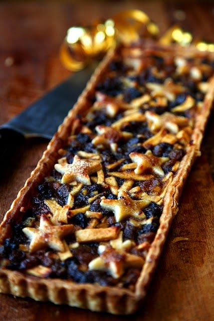 Christmas Mince Pie Star Slices | DonalSkehan.com | HomeCooked Kitchen Blog