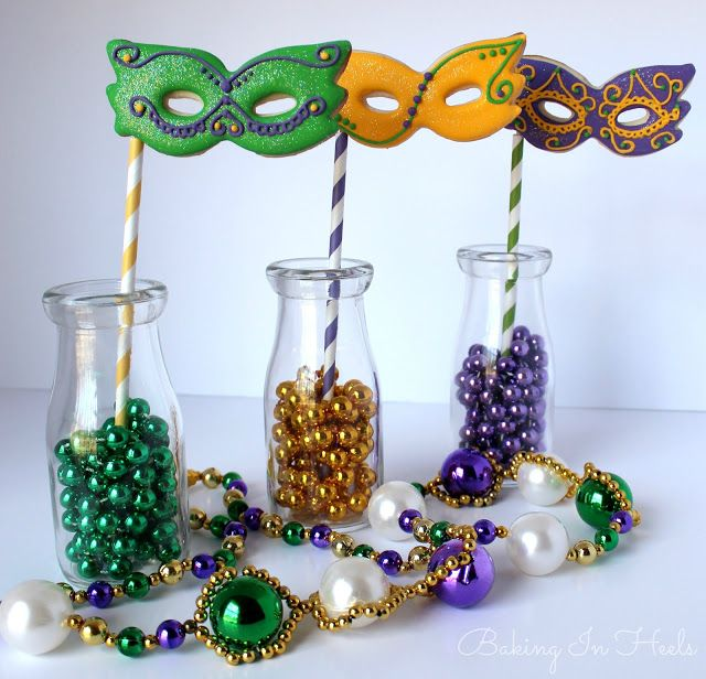 Baking In Heels: Mardi Gras Mask Cookie Pops