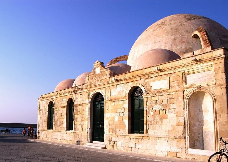 Giali Tzamisi is the unique preserved Mosque of the city and was built during the second half of the 17th century. It is located at the Venetian Port of Chania.