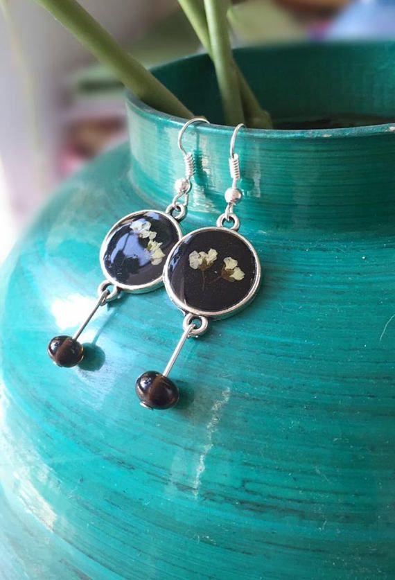 Real flowers earrings Real dried flowers resin jewelry real #etsy #etsyjewelry #handmade #earrings