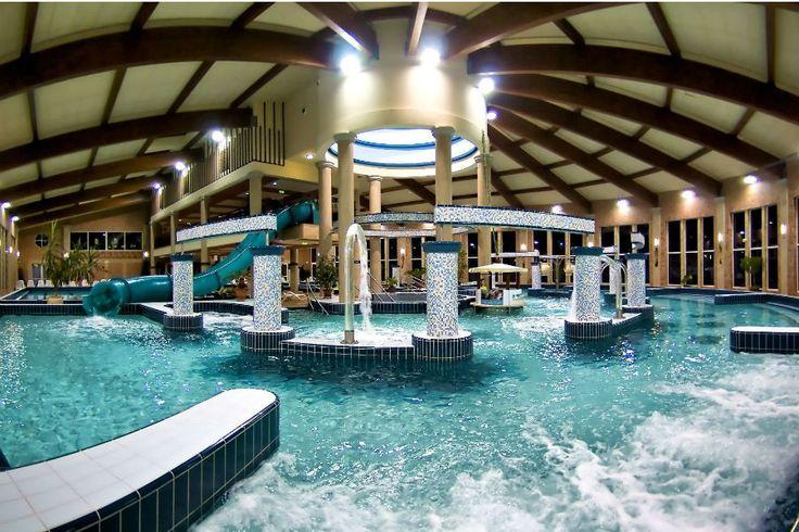 A Galerius Élményfürdő és Wellness Központ többféle medencével és szaunával várja a gyermek és felnőtt vendégeket.