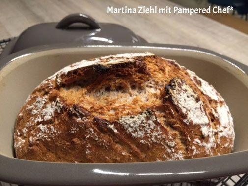 Pampered Chef Walnussbrot aus dem kleinen Zaubermeister Lily. Perfekte Brote aus dem Zaubermeister. Weitere kostenlose Rezepte rund um Pampered Chef finden Sie bei Martina Ziehl